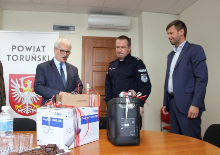Nowy sprzęt dla toruńskich policjantów